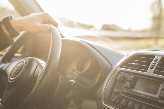 トヨタの定額制サービス「キント」と「カーリース」を徹底比較